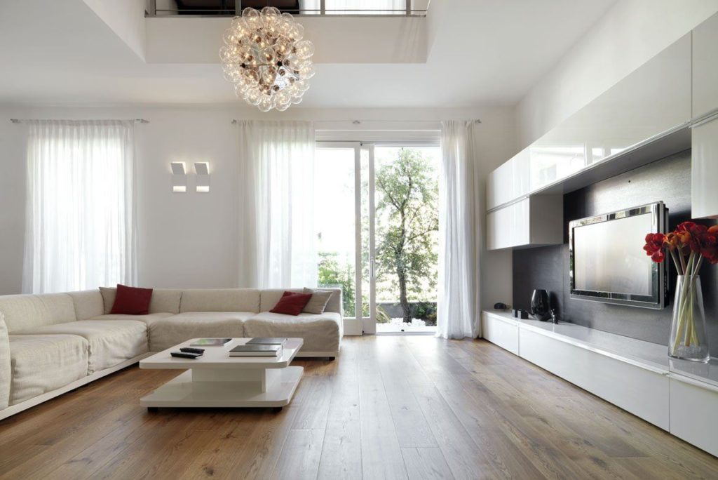 Huge living room and Wooden Floor